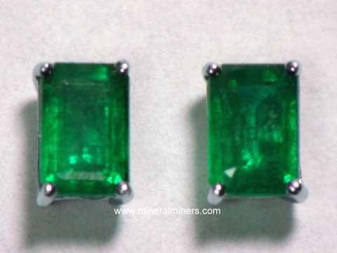 Emerald Earrings 6x4mm In 14k White Gold Studs